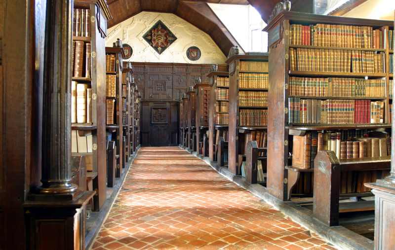 Merton_College_library_hall